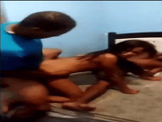Gostosa Brasileira caiu na net transando com dois homens