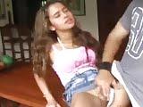 Novinha gostosa de pernas abertas querendo meter