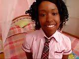 Novinha negra sendo devorada pelo negro bem dotado
