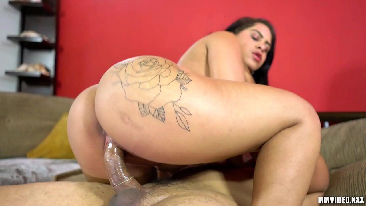 Morena cavalona fazendo sexo gostoso